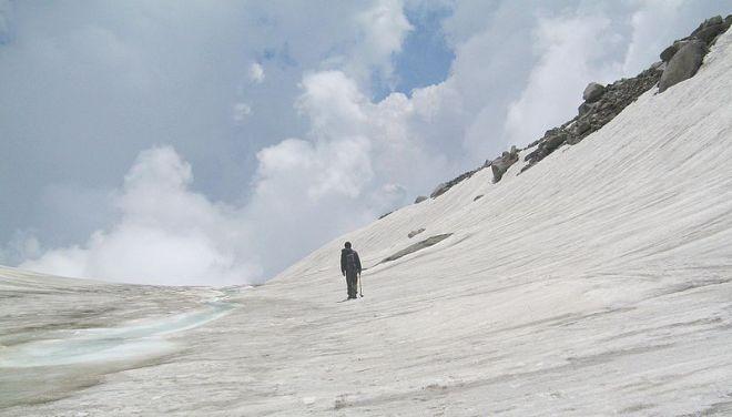 800px-saar_pass_malana_kullu_himachal_pradesh_-3